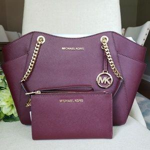 🌺Michael Kors Chain Bag And Wallet set Merlot